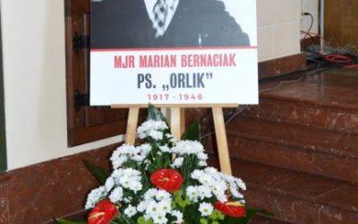 """Odsłonięcie tablicy M. Bernaciaka ps. """"Orlik"""""""